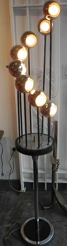 Vintage Mid-Century eye-ball floor lamp