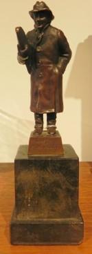 Bronze Signed W Kraft '' Dorf-Musikant''